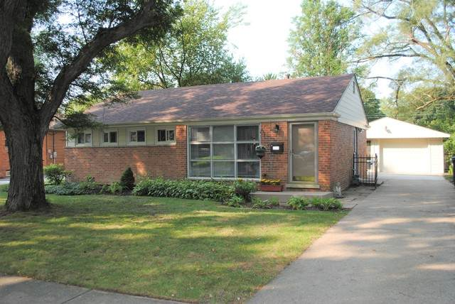 844 Meadow Road, Northbrook, IL 60062 (MLS #10921746) :: Suburban Life Realty