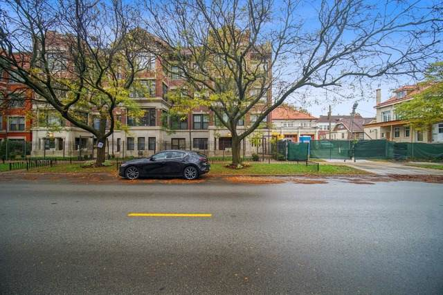 928 Hyde Park Boulevard - Photo 1