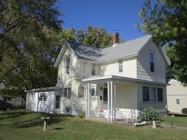 506 S Parke Street, Tuscola, IL 61953 (MLS #10922128) :: Helen Oliveri Real Estate