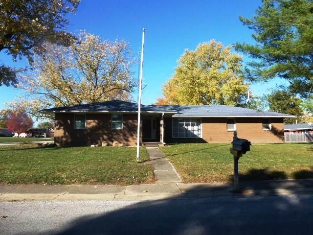 13 Colonial Drive, CLINTON, IL 61727 (MLS #10922486) :: John Lyons Real Estate