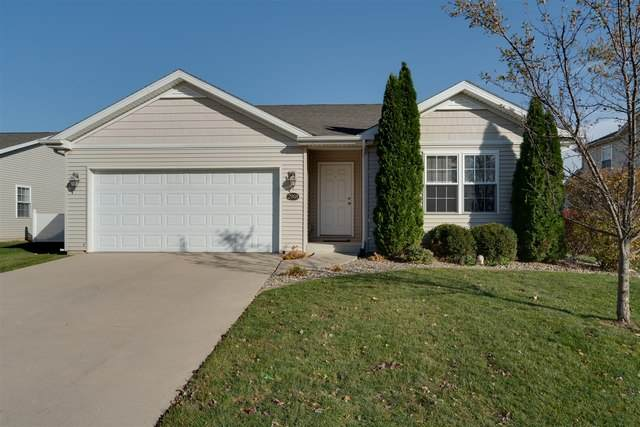 2908 Breezewood Boulevard, Bloomington, IL 61704 (MLS #10922677) :: Jacqui Miller Homes