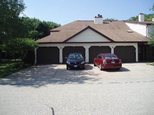 885 Stradford Circle 20B1, Buffalo Grove, IL 60089 (MLS #10923309) :: Janet Jurich