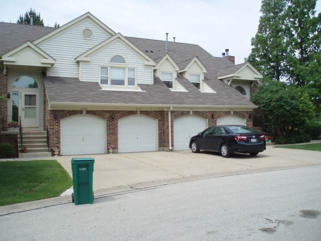2500 Live Oak Lane, Buffalo Grove, IL 60089 (MLS #10923479) :: Schoon Family Group