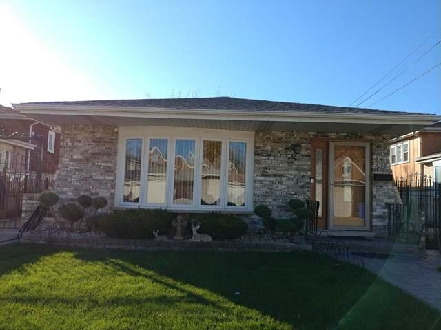 5822 S Kenton Avenue, Chicago, IL 60629 (MLS #10924099) :: Helen Oliveri Real Estate