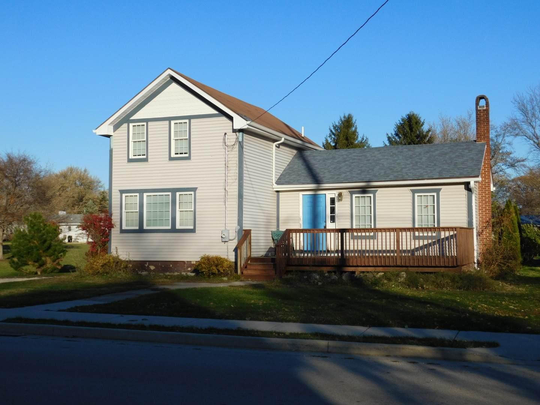 221 Peru Street, Paw Paw, IL 61353 (MLS #10924419) :: Lewke Partners