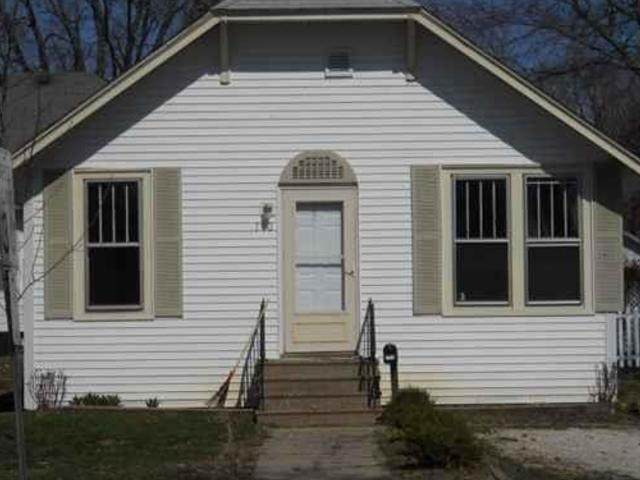 713 3rd Street, Henry, IL 61537 (MLS #10925241) :: John Lyons Real Estate
