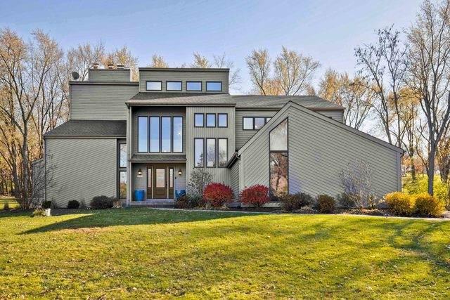 713 Bark Court, Lake Barrington, IL 60010 (MLS #10925736) :: John Lyons Real Estate