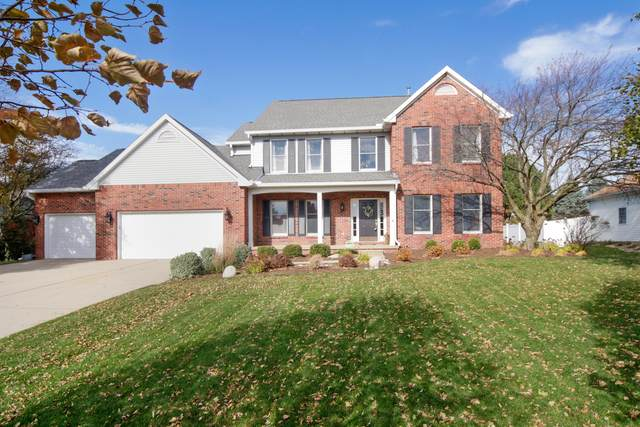 3204 Leafy Lane, Bloomington, IL 61704 (MLS #10926335) :: BN Homes Group