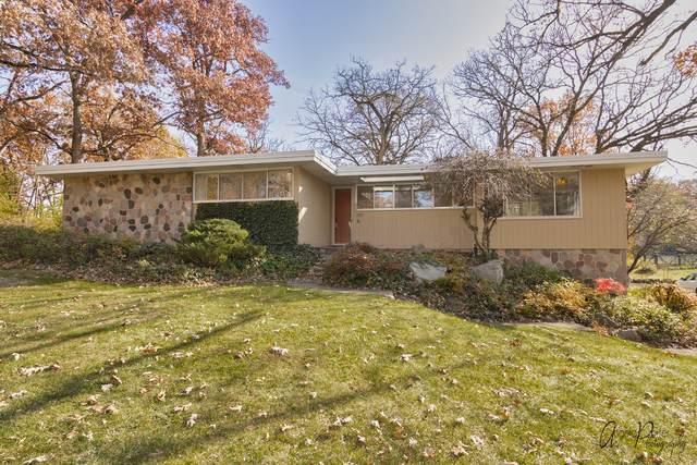 427 Maplewood Drive, Barrington, IL 60010 (MLS #10927106) :: Jacqui Miller Homes