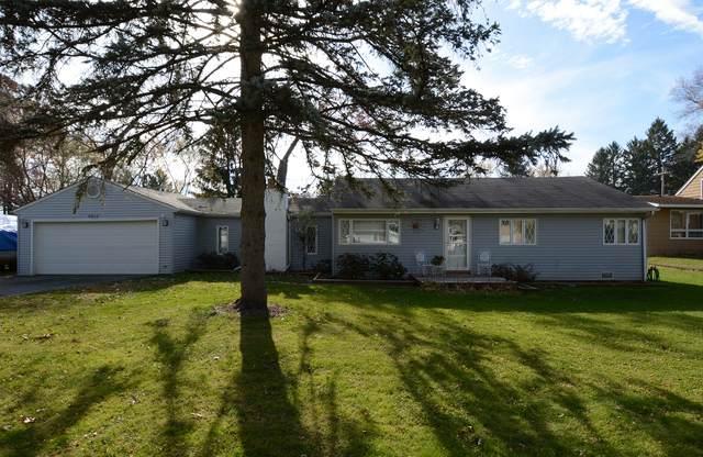 8917 W Sunset Drive, Wonder Lake, IL 60097 (MLS #10927241) :: BN Homes Group