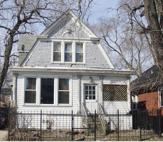 7436 S Yates Boulevard, Chicago, IL 60649 (MLS #10927439) :: Schoon Family Group