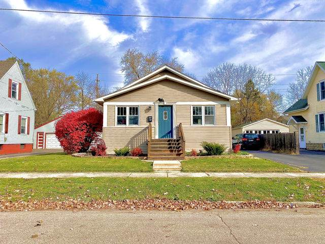 13 Lincoln Avenue, East Dundee, IL 60118 (MLS #10927544) :: Suburban Life Realty