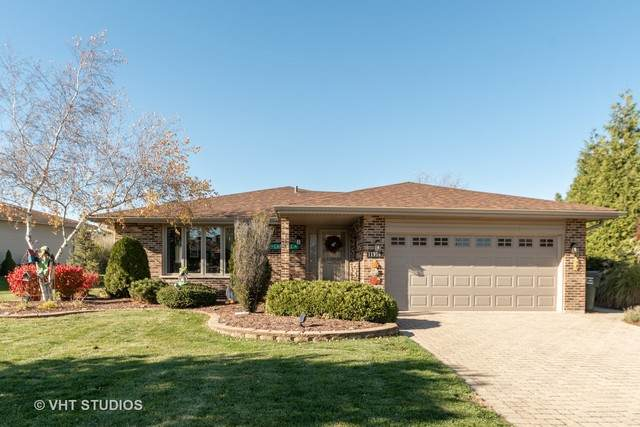 11916 S Pinecreek Drive, Orland Park, IL 60467 (MLS #10927576) :: Littlefield Group