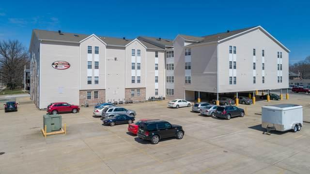 1305 4th Street, Charleston, IL 61920 (MLS #10927680) :: Helen Oliveri Real Estate