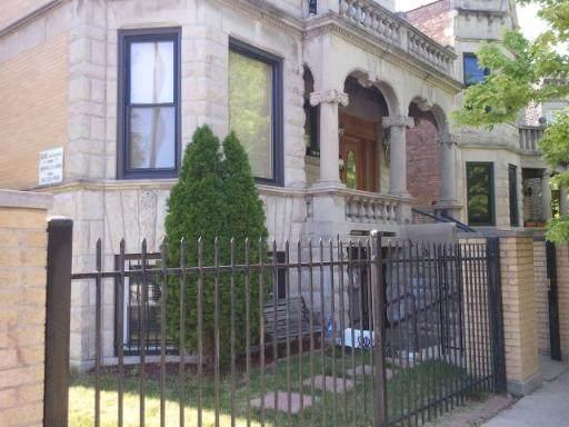 2600 Sawyer Avenue - Photo 1