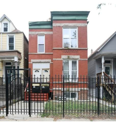 1819 N Tripp Avenue, Chicago, IL 60639 (MLS #10929300) :: Lewke Partners
