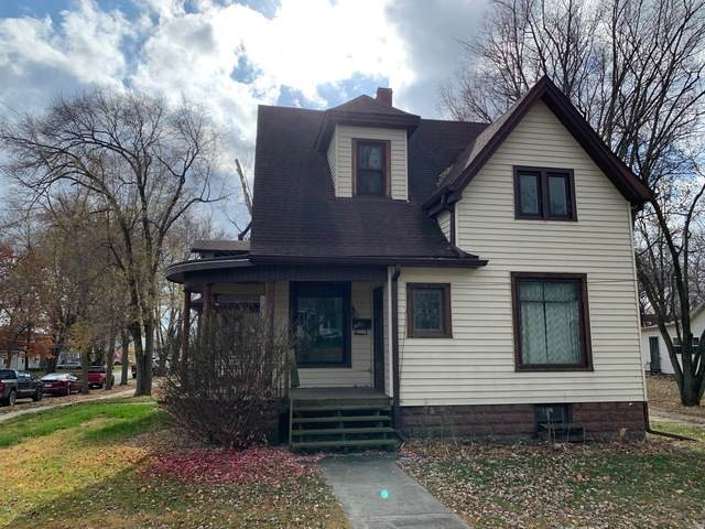307 E Madison Street, Mackinaw, IL 61755 (MLS #10929363) :: BN Homes Group