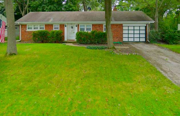 2311 Bellevue Place, Northbrook, IL 60062 (MLS #10930598) :: John Lyons Real Estate