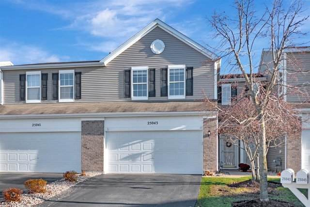 25043 Clare Circle, Manhattan, IL 60442 (MLS #10931327) :: Helen Oliveri Real Estate