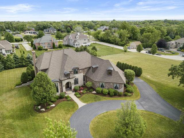 351 Highland Court, Burr Ridge, IL 60527 (MLS #10931721) :: Lewke Partners