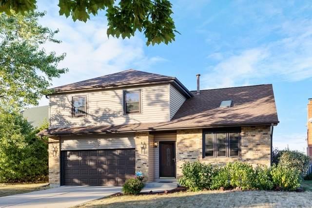 1520 W Squire Lane, Addison, IL 60101 (MLS #10932618) :: Lewke Partners