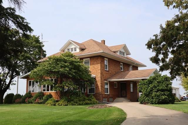 11852 W Canada Road, Polo, IL 61064 (MLS #10932685) :: Schoon Family Group
