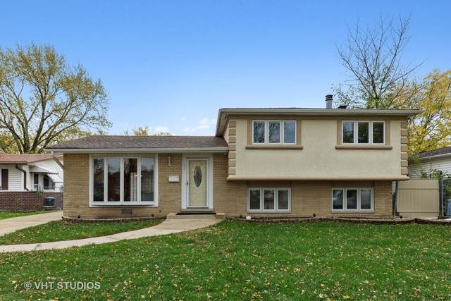685 Elizabeth Lane, Des Plaines, IL 60018 (MLS #10932830) :: Lewke Partners