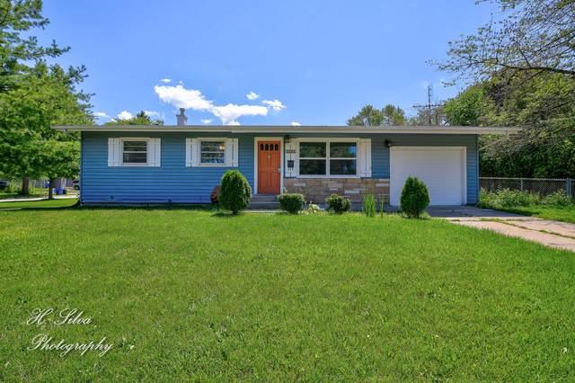 1811 Indiana Street, St. Charles, IL 60174 (MLS #10933551) :: John Lyons Real Estate