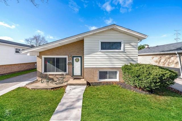 30 51st Avenue, Bellwood, IL 60104 (MLS #10933674) :: Lewke Partners