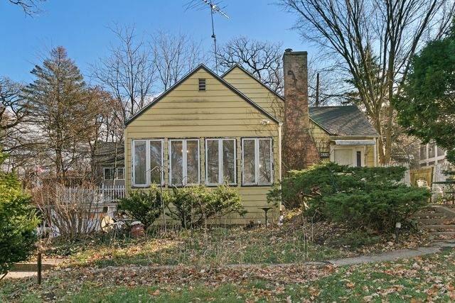 4208 E Lake Shore Drive, Wonder Lake, IL 60097 (MLS #10934164) :: BN Homes Group