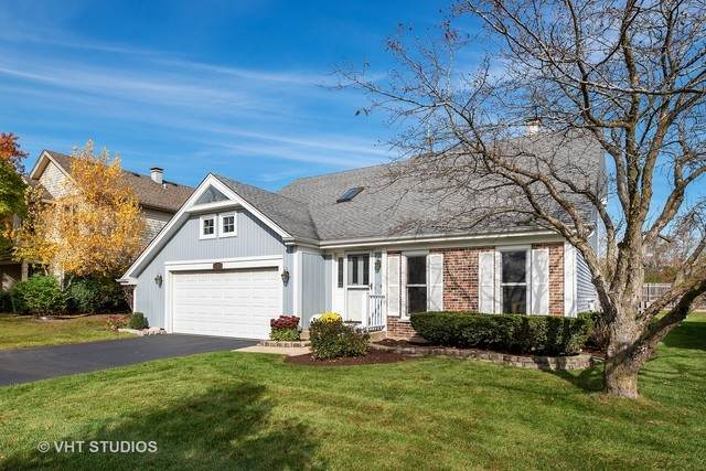 1220 W Meade Lane, Arlington Heights, IL 60004 (MLS #10937165) :: Schoon Family Group