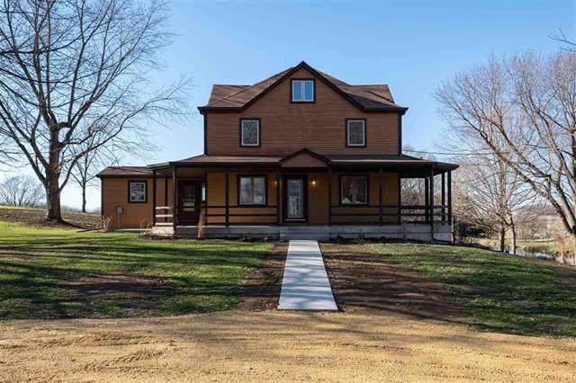 5855 W Hilldale Road, Leaf River, IL 61047 (MLS #10937827) :: John Lyons Real Estate