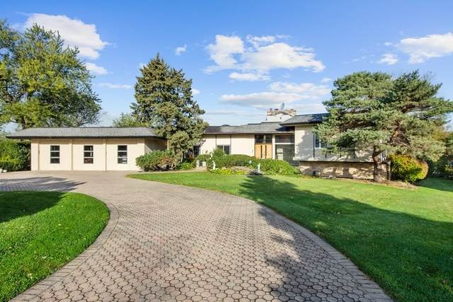 8 Lochinvar Lane, Oak Brook, IL 60523 (MLS #10938876) :: John Lyons Real Estate