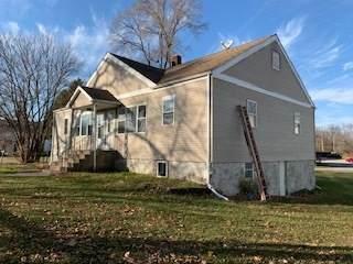 5014 Barnard Mill Road, Ringwood, IL 60072 (MLS #10940701) :: Lewke Partners