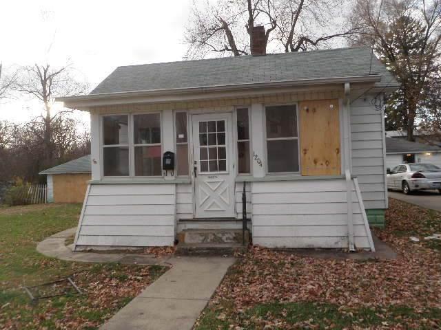 1204 N Wasson Street, Streator, IL 61364 (MLS #10941795) :: Jacqui Miller Homes