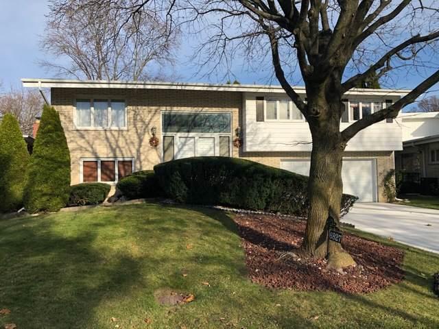 6827 N Concord Lane, Niles, IL 60714 (MLS #10943120) :: Jacqui Miller Homes
