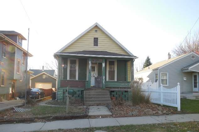 513 S Clayton Street, Bloomington, IL 61701 (MLS #10944410) :: BN Homes Group