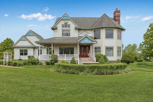 9016 257th Avenue, Salem, WI 53168 (MLS #10946174) :: Jacqui Miller Homes