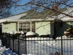 3218 Lydia Avenue, Robbins, IL 60472 (MLS #10947419) :: Jacqui Miller Homes