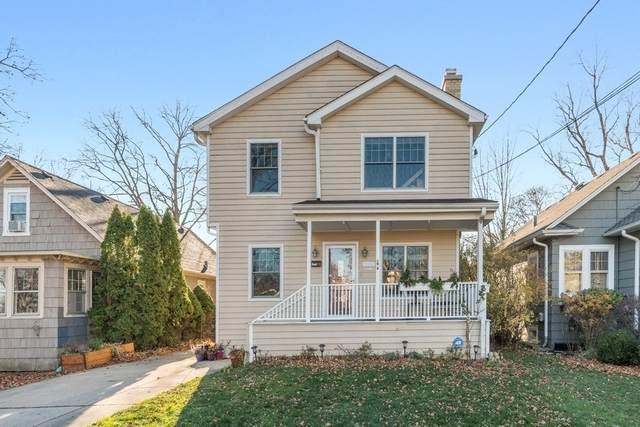 860 Pleasant Avenue, Highland Park, IL 60035 (MLS #10955545) :: Jacqui Miller Homes