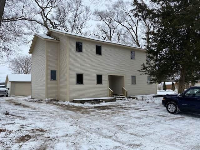 4204 East Drive, Wonder Lake, IL 60097 (MLS #10960413) :: Schoon Family Group