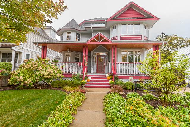 3901 Lawn Avenue, Western Springs, IL 60558 (MLS #10963316) :: The Perotti Group