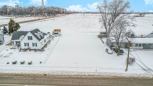 254 N Main Street, Burlington, IL 60109 (MLS #10968239) :: Jacqui Miller Homes