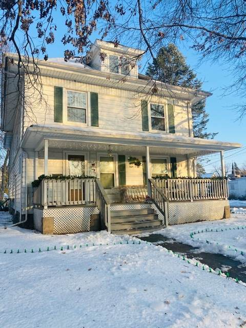 802 Locust Street, Sterling, IL 61081 (MLS #10969152) :: The Wexler Group at Keller Williams Preferred Realty
