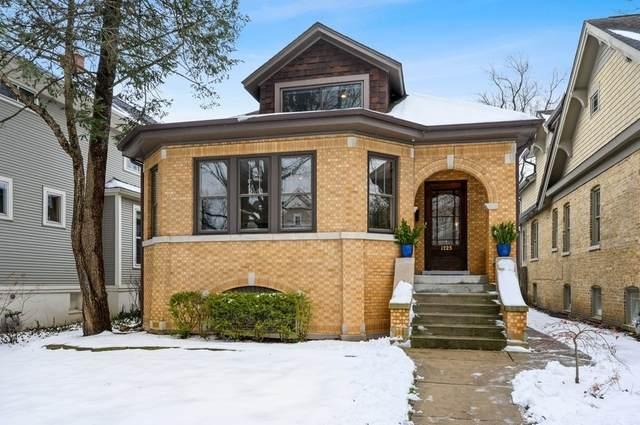 1723 Elmwood Avenue, Wilmette, IL 60091 (MLS #10969990) :: Jacqui Miller Homes