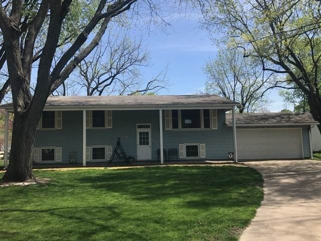 702 E Woodland Drive, ST. JOSEPH, IL 61873 (MLS #10970064) :: Touchstone Group