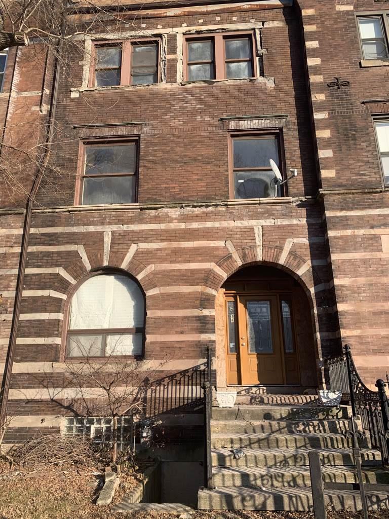 3811 Giles Avenue - Photo 1