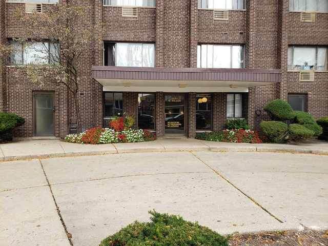 8444 W Wilson Avenue 404S, Chicago, IL 60656 (MLS #10971163) :: Helen Oliveri Real Estate