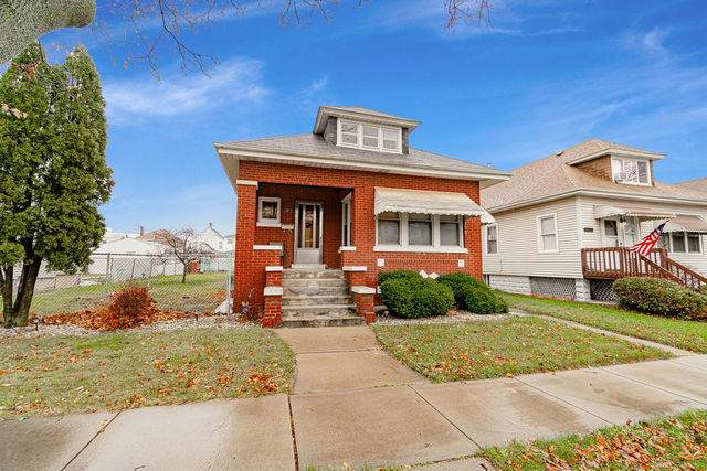 12817 Winchester Avenue, Blue Island, IL 60406 (MLS #10971459) :: Schoon Family Group