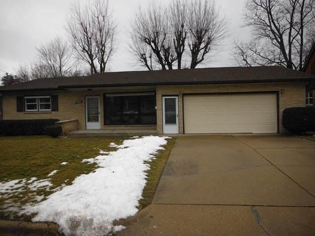 1567 Tonti Street, Lasalle, IL 61301 (MLS #10971832) :: Helen Oliveri Real Estate